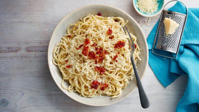 Jamie Oliver's spaghetti carbonara recipe