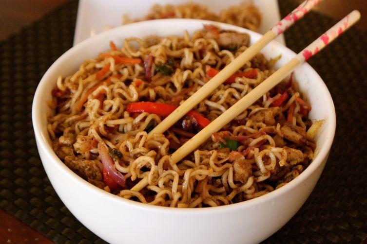 Vegetable Hakka Noodles recipe