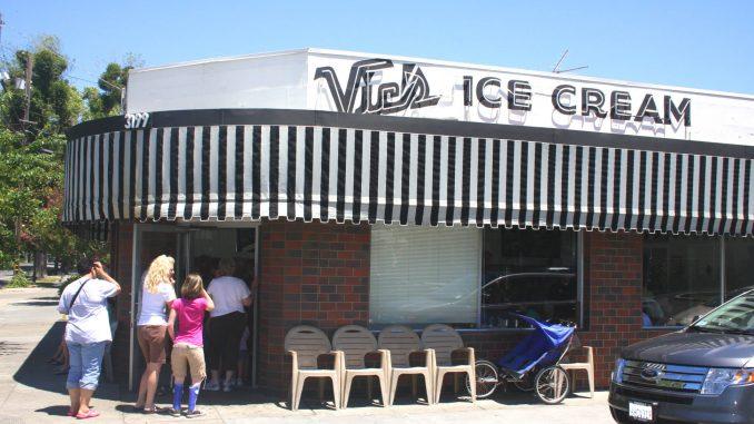 Vic's Ice Cream restaurant