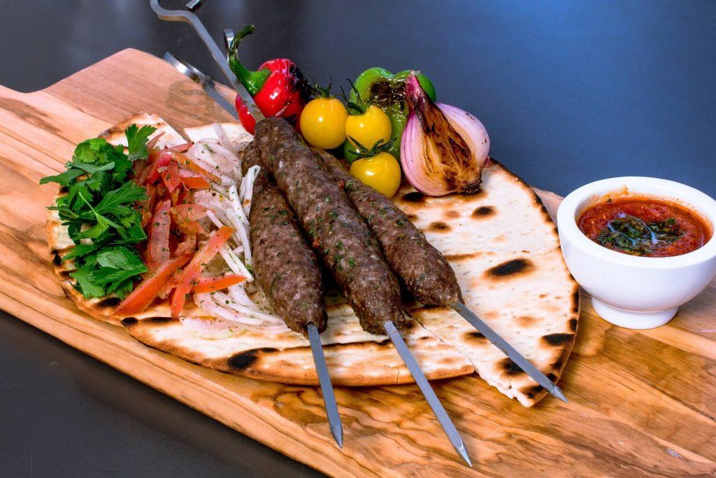 Food People Eat in Dubai