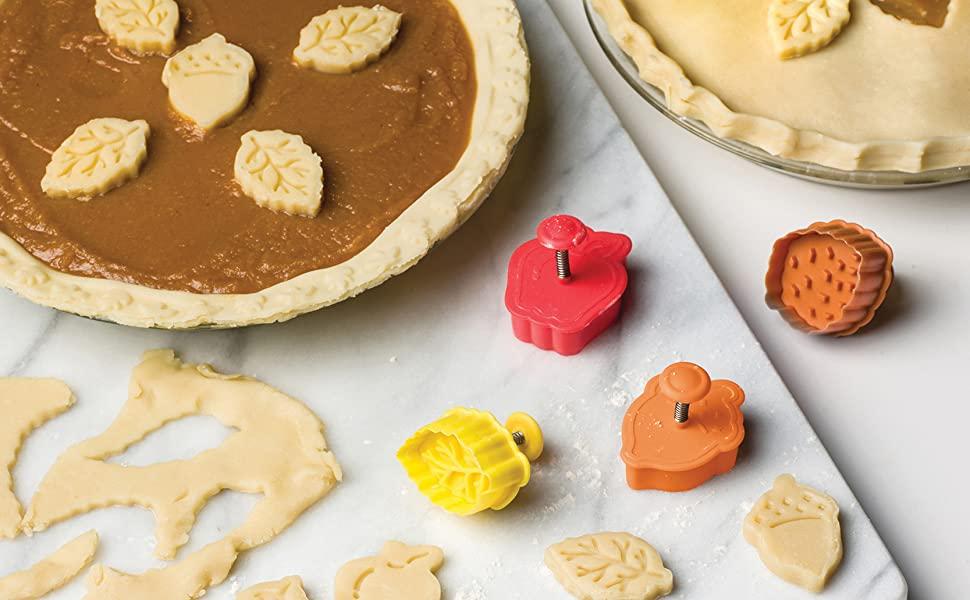 Fox Run Lovers Pie Cutter Set